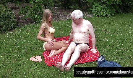 나는 그녀의 다리 씨발 가 a 카자흐스탄 여자 사이의 따뜻한 느낌을 받을 수 있는 절곡