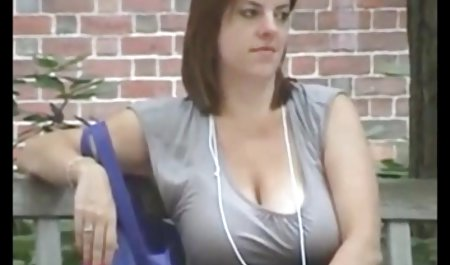 젊은 아름다운 큰 수탉 씨발 엉덩이